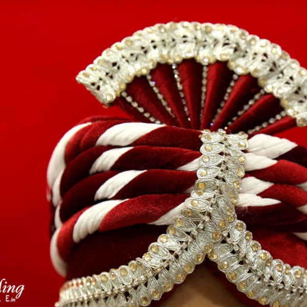 topi-red-silver-wedding-shopping